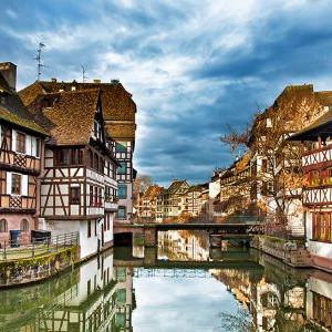 Visite de Strasbourg + Maison du pain d'épice + cave + Riquewihr